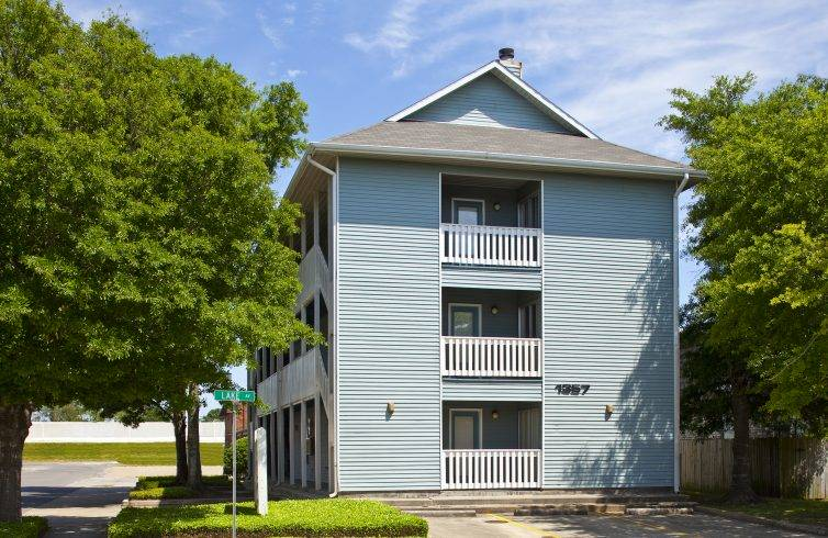 . Spinnaker Apartments  Metairie   Tonti Management